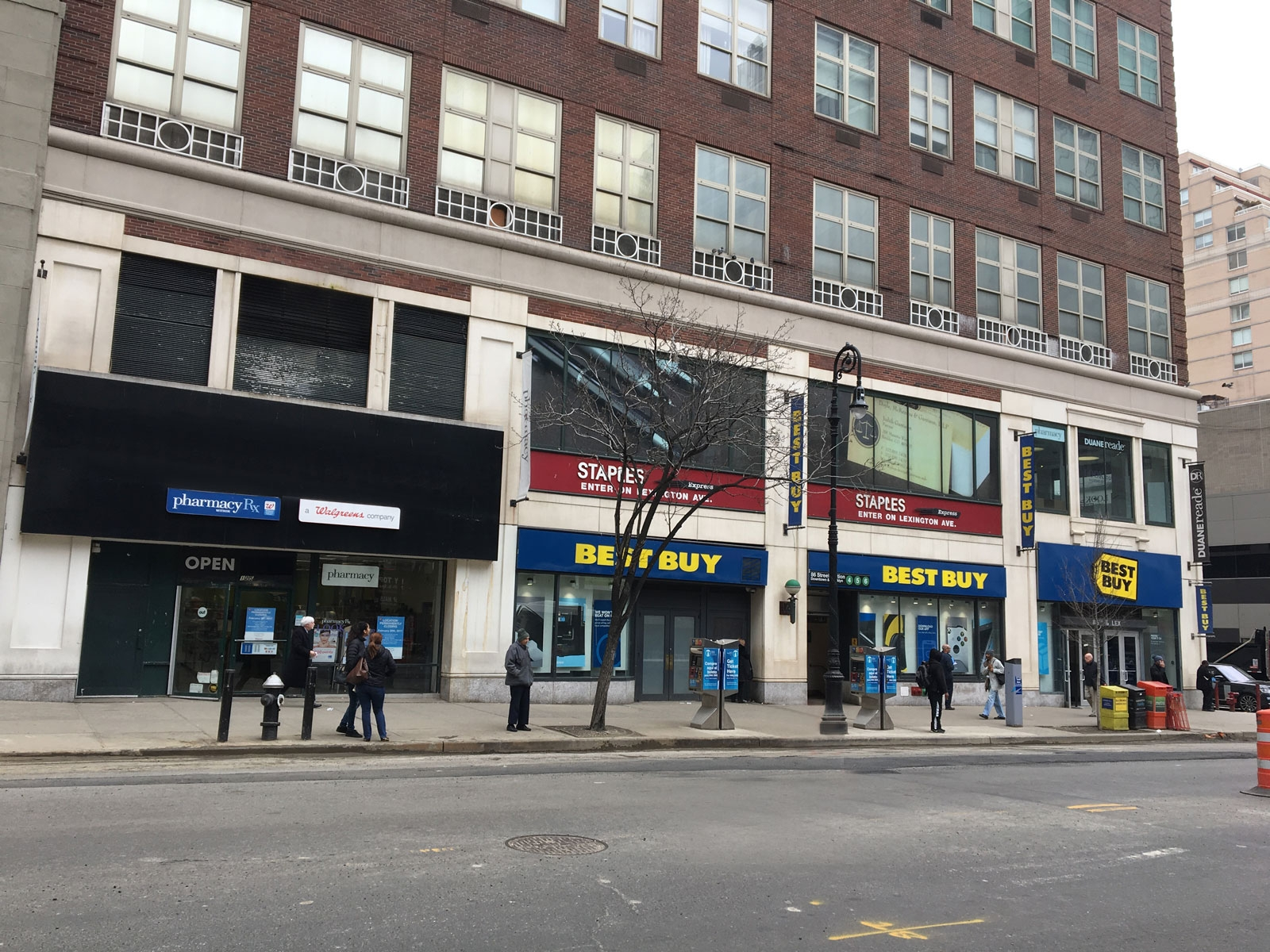 Jul 31, · These Are The Escalators At The Best Buy Store On Lexington Avenue & East 86th Street On The Upper East Side In Manhattan New York City. These Escalators Are